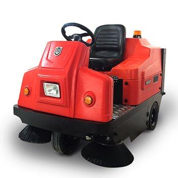 环保型W1350驾驶式电动扫地机 app万博彩票扫地机